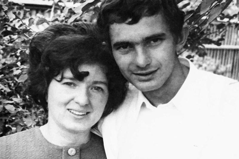 Вячеслав Динека со своей возлюбленной Светланой в юности