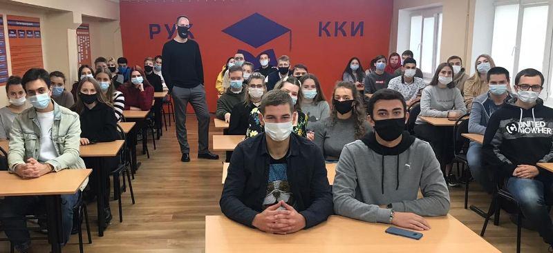 Школа импровизации и подкастинга Plohotnikov