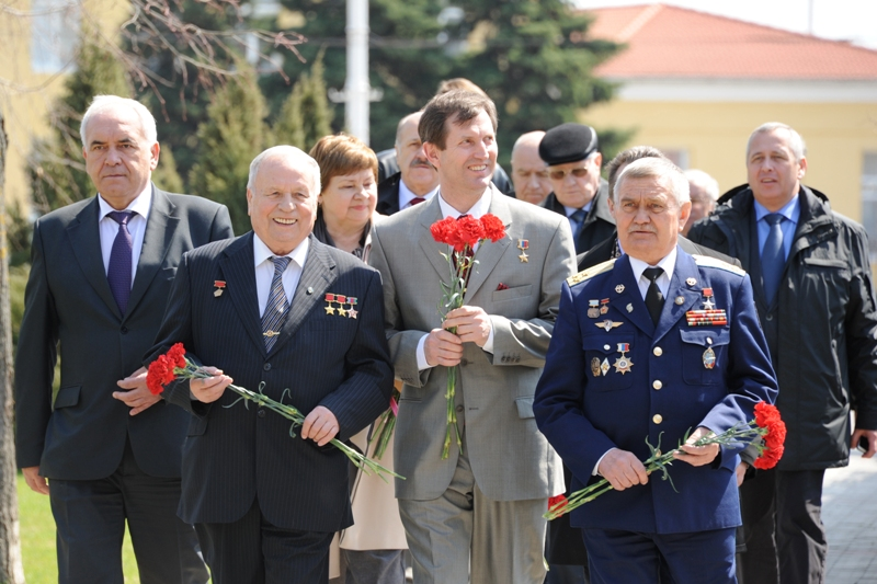 В. В. Горбатко, С. Е. Трещёв и А. Н. Березовой на Кубани в апреля 2011 г.