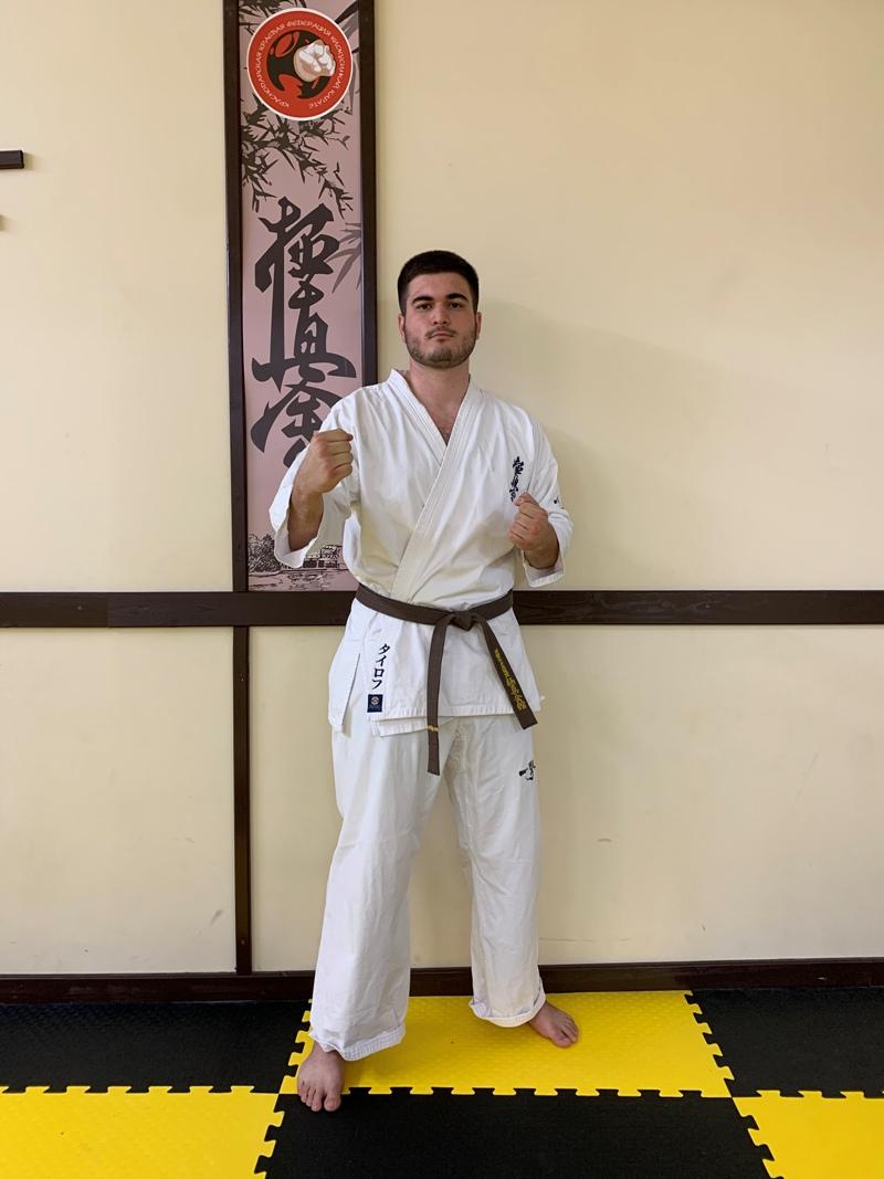 Амир Таиров